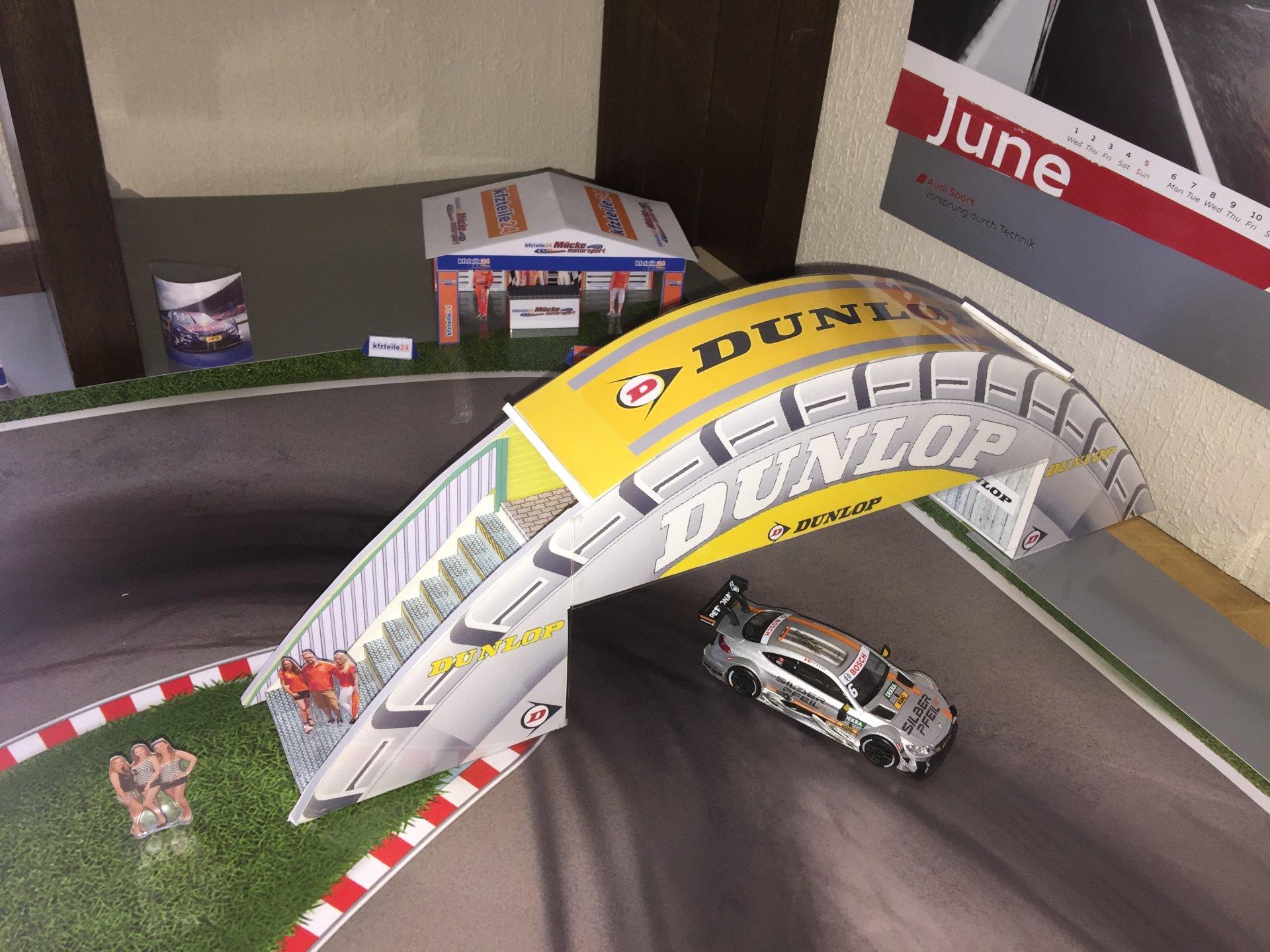 Dunlop-LeMans-Brücke.jpg