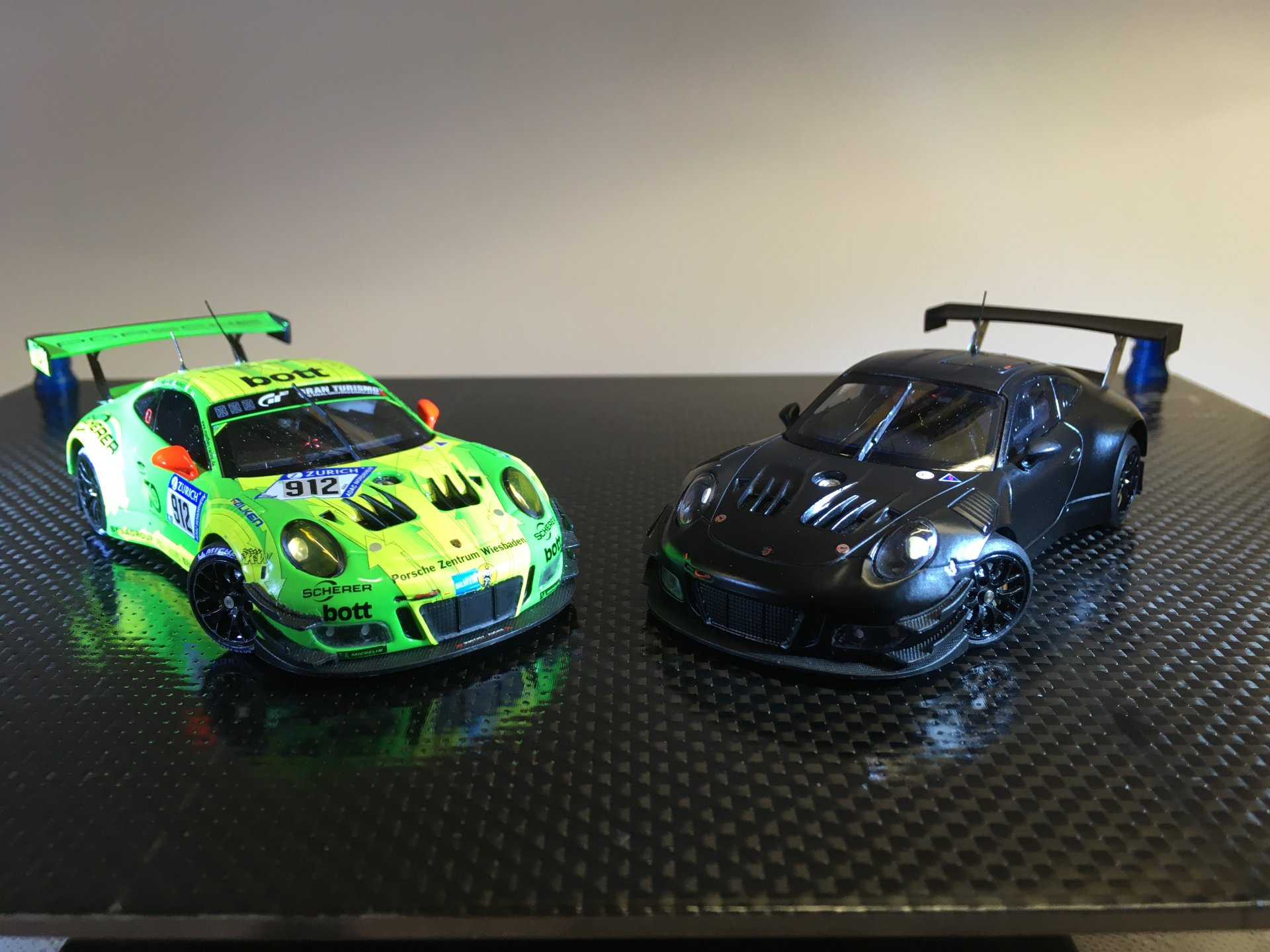 Porsche 911 GT3R 2018 Iron Force Racing + Manthey Racing